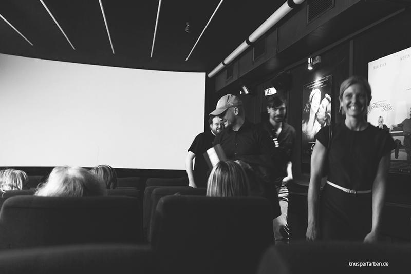 Eric Horst, Alexander Steindorf, Marc Dietschreit, Nadine Heinze und Besucher bei Filmbeginn im Metropol