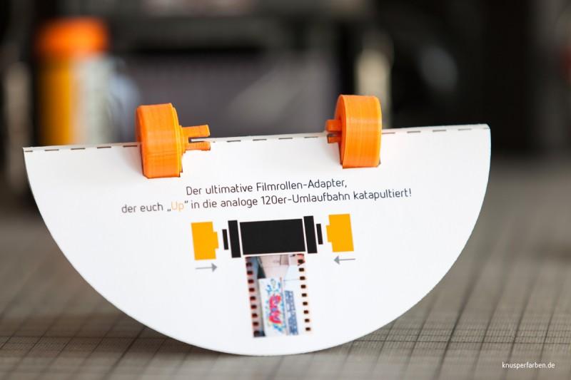 """""""UP-adapt!"""" Der ultimative Filmrollen-Adapter, der euch """"UP"""" in die 120er Umlaufbahn katapultiert."""