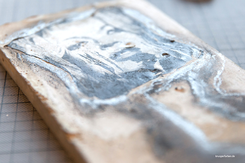 Emulsionslift auf Beton, Ölfarbe und Kohle